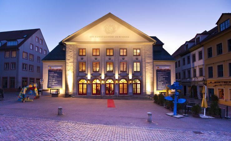 Außenansicht des Freiberger Stadttheaters