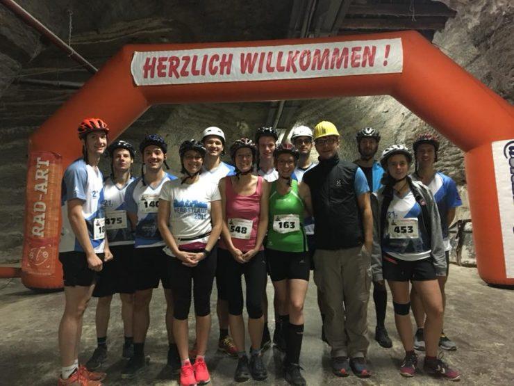 Die Teilnehmer des Kristall-Laufs, unter ihnen Vivian, unsere Referatsleiterin Kultur und Sport